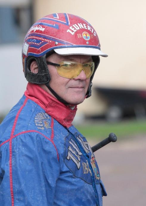 Vid årsskiftet slutar Torbjörn Jansson som travtränare, men han fortsätter att köra lopp. Foto av Mia Törnberg/TR Bild