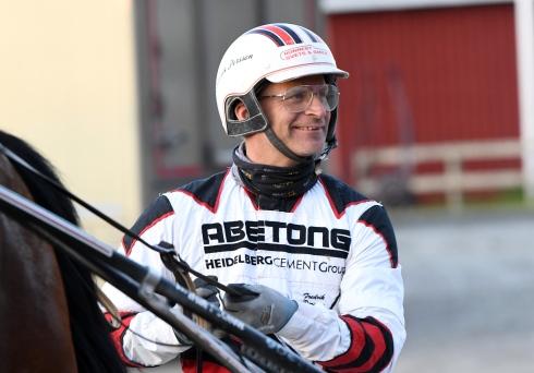 Fredrik Persson har två spännande hästar till start på V86®.Foto av Malin Albinsson TR Bild